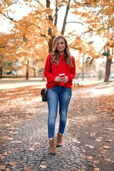 Roter Pullover Woman Knitwear and Sweaters woman in red sweater Red Pullover, Winter Pullover Outfits, Pullover Mode, Patagonia Pullover, Outfit Jeans, Red Sweater Outfit, Sweater Fashion, Jeans Outfit Winter, Classy Outfits