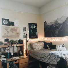 i don't really have anything bookish to post today, just doing homework and going to work, so i thought maybe you'd guys like to see my dorm room i'm in love with my little space | #college