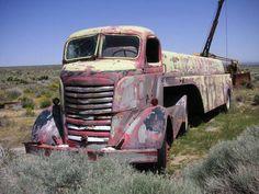Old style truck. Got a bit a steam punk feel I think. Cool Trucks, Big Trucks, Cool Cars, Semi Trucks, Antique Trucks, Vintage Trucks, Dodge Trucks, Pickup Trucks, Pick Up