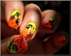 nail art fluo et noir Nail Art Halloween, Holiday Nail Art, Great Nails, Cute Nails, Happy Nails, Types Of Nails, Beauty Industry, Nail Designs, Nail Polish