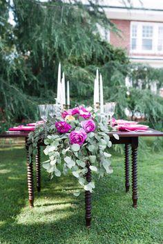 Garden glam wedding table: http://www.stylemepretty.com/north-carolina-weddings/2014/09/26/garden-glam-wedding-inspiration/ | Photography: Lauren Jolly - http://www.laurenjollyphotography.com/