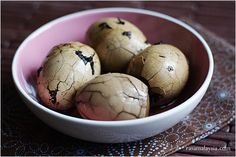 Chinese Tea Eggs (Tea Leaf Eggs) Recipe: I am a huge fan of eggs, especially hard-boiled eggs in curry, soy sauce, or in this case, Chinese tea. What's not to love about eggs that are steeped for hours in Chinese tea, with marbled pattern on the egg white, plus to-die-for aroma from the tea?