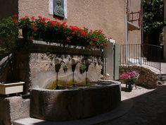 Fontaine in Moustiers Sainte Marie, Verdon, Provence, France Moustiers Sainte Marie, French Alps, Provence France, Most Beautiful, Detail, Travel, Traveling, Viajes, Provence