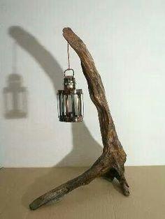 Porte lanterne... ...  En bois flotté... ...