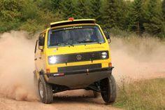 Rohrrahmen, 280-PS-Mittelmotor, Allrad und Kohlefaser-Karosserie: Der VW T3 Rallye-Bus hat es in sich.