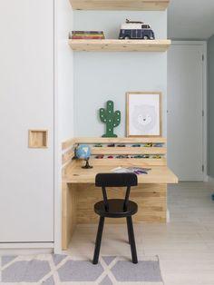Modern DIY computer desk ideas, small home office gaming organization Diy Pallet Furniture, Retro Furniture, Sofa Furniture, Kids Furniture, Furniture Stores, Furniture Market, Luxury Furniture, Kids Computer Desk, Home Office Decor
