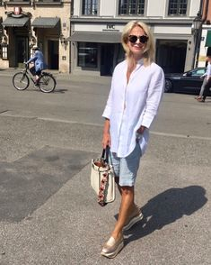 Ideas Womens Fashion Over 60 Outfits Stylists Over 60 Fashion, Mature Fashion, Older Women Fashion, Over 50 Womens Fashion, 50 Fashion, Women's Summer Fashion, Look Fashion, Fashion Outfits, Fashion Trends