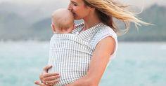 Inspirée des techniques traditionnelles et ancestrales, l'écharpe de portage séduit de plus en plus de jeunes mamans. Economique et ergonomique...