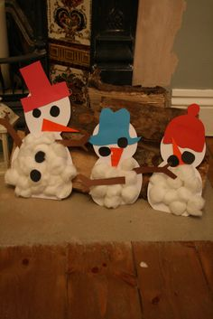 Cotton Wool Snowmen - One more for Aliyah's obsession with snowman crafts!!