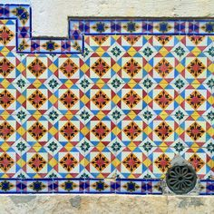 #azulejo #azulejos #tiles #design #pattern #patterns #urban #art #urbanart #city #portuguesetiles #azulejospadrao #amantedelosazulejos #azulejosdeportugal #portugaldenorteasul #portugalalive #portugal_de_sonho #portugal_em_fotos #portugal_lovers #wanderlust #igersportugal #travel #lisboa #portugal #streetphotography #urbex #gerador #architecture #p3top #vintage by azulejosdeportugal