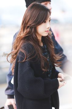 Taeyeon, I swear she looks pretty with any hair color! Taeyeon Fashion, Snsd Airport Fashion, Girl's Generation, Airport Style, Seohyun, Korean Girl Groups, Girl Crushes, Kpop Girls, Asian Beauty
