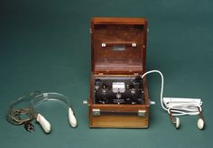 Ectonustim 3 ECT machine with scalp electrodes, in use from 1958 to 1965.