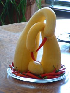Food art with graceful squash posing as swans so clever Fruit Sculptures, Food Sculpture, Veggie Art, Fruit And Vegetable Carving, Animal Shaped Foods, Amazing Food Art, Creative Food Art, Food Garnishes, Garnishing