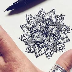 Beautiful model in drawing for mandala tattoo - Women& tattoo - Be inspired with this tatoo: Beautiful model in drawing for mandala tattoo. Find all the models, me - Model Tattoos, Body Art Tattoos, Tattoo Drawings, Sleeve Tattoos, Tatoos, Symbol Tattoos, Diy Tattoo, Tattoo Henna, Get A Tattoo
