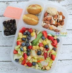 Biting The Hand That Feeds You: Pretty (Yummy!) Salads for Mama! Packed in #EasyLunchboxes containers