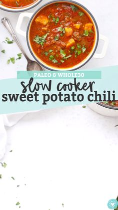 Slow Cooker Sweet Potato Chili - This paleo sweet potato chili recipe is one of our favorites. It tastes even better the next day! Crockpot Sweet Potato Recipes, Crock Pot Sweet Potatoes, Paleo Crockpot Recipes, Chilli Recipes, Sweet Potato Stuffing Recipe, Paleo Crock Pot, Crock Pot Chili, Crock Pots, Whole 30 Chili Recipe