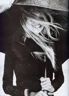 Clouds in my Cup | Smile in black #cloudsinmycup #black #smile #lifestyle #rain #umbrella