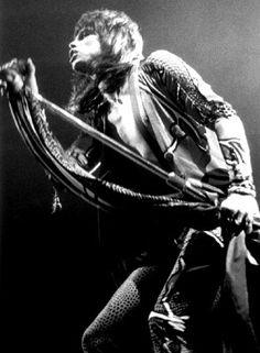 .love Steven Tyler!