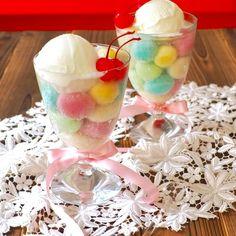 パステルカラーの可愛い白玉団子が、かき氷シロップで簡単に出来ます!! ※フルーツ白玉にする場合は、200ccのお湯に砂糖100gを入れて溶かし、冷やした汁にフルーツと白玉団子を入れてください。