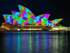 ***sydney opera house light show VIVID SYDNEY 2011