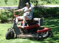 I forgot I owned two of these. Probably one of the first true zero-turn mowers. The Catholic Cemeteries in Chicago loved these monsters and used them well into the Zero Turn Mowers, Lawn Mower, Outdoor Power Equipment, Monsters, Catholic, Chicago, Awesome, Lawn Edger, Grass Cutter