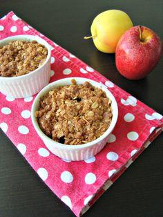 Mini Apple Crumble with Raisins Apple Filling, Mini Apple, Cinnamon Powder, Green Grapes, Cinnamon Apples, Serving Size, Quick Easy Meals, Raisin, Indian Food Recipes