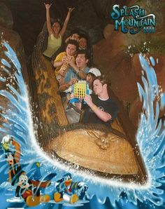 19 Hilarious Pictures Of People Posing On Splash Mountain. Becca, we need to do something dumb on Splash Mountain! Pixar, Pictures Of People, Funny Pictures, Funniest Pictures, Funny Pics, Rollercoaster Funny, Humour Disney, Mountain Pictures, Disney Rides