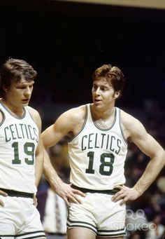 Don Nelson and Dave Cowens Celtics Basketball, Basketball Legends, Sports Basketball, Basketball Players, Basketball History, Basketball Court, Kyrie Irving, Don Nelson, Dave Cowens