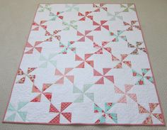 simple pinwheel quilt {Sew Blessed}