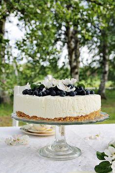 Täyttä elämää Celebration, Table Settings, Sweets, Cakes, Party, Desserts, Food, Gastronomia, Tailgate Desserts