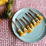 Halloween Lunch Ideas. Includes pretzel broomsticks, tangerine pumpkins, banana ghosts, apple mouths