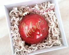 Newlywed Christmas Ornament Personalized established gift with calligraphy, custom newlywed gift, Gold Glitter Holiday Decor, plastic bauble Cute Christmas Ideas, First Christmas, Christmas Crafts, Christmas Bulbs, Sentimental Wedding Gifts, Macaroni Salads, Globe Ornament, Glitter Ornaments, Newlywed Gifts