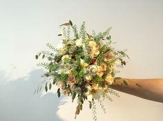Sommerlicher Brautstrauss von buntBund floristik in Aarau - mit viel Liebe zum Detail