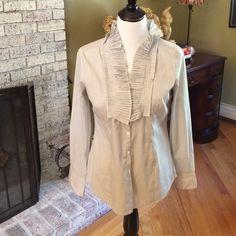 Blouse by LOFT size 8 Pretty blouse by LOFT size 8. LOFT Tops Blouses