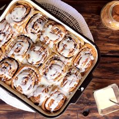 Cinnamon Rolls with Raisins - CUKit! Breakfast Dessert, Eat Dessert First, Cinnabon Rolls, Baking Recipes, Dessert Recipes, Apple Cinnamon Rolls, Quick Cake, Recipes From Heaven, Bread Rolls