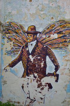 Fernando Pessoa in the streets of Lisbon