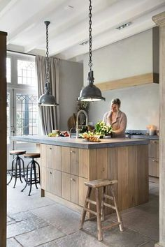 55 Smart Innovative Kitchen Island Ideas and Designs to Makeover Your Home - Contemporary Modern Kitchen Small Kitchen Ideas, DIY, Kitchen Remodel - Designblaz Rustic Modern Kitchen, Rustic Kitchen Design, Kitchen Remodel, Modern Kitchen, Kitchen Island Design, Home Kitchens, Rustic Kitchen, Kitchen Renovation, Kitchen Design