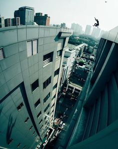 Storror: Top UK Parkour Team Releases 'ROOF CULTURE ASIA' Documentary Focusing on Leaps Between Skyscrapers