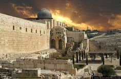 Jerusalem, Israel-I was fortunate to go to Israel with a group of friends on our way back from Jordan three years ago. Places Around The World, Oh The Places You'll Go, Places Ive Been, Places To Visit, Around The Worlds, Jerusalem, Terre Promise, Naher Osten, Monuments