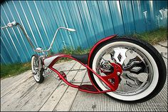 These lowrider bicycles are full blown chopper, they are not for the shy at heart, They are for the Bold and the Brave, They are showy and f. Velo Retro, Velo Vintage, Vintage Bikes, Cool Bicycles, Cool Bikes, Rat Bikes, Velo Dh, Lowrider Bicycle, Cruiser Bicycle