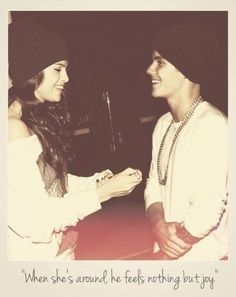 Among all the girlfriends Justin had, ONLY Selena can make him SMILES all the time. No matter how they still loving each other . I just hope that God can make them two become sweetest couple ! Justin Bieber Selena Gomez, Justin Bieber And Selena, All About Justin Bieber, Justin Bieber Pictures, Cute Celebrities, Celebs, Love Will Remember, Justin Baby, Marie Gomez