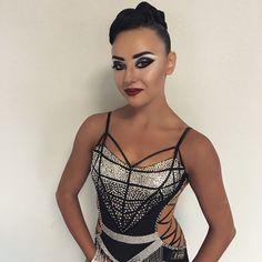 "44 Likes, 2 Comments - Elena Korobova (@style_korobova) on Instagram: ""Прическа выполнена мной ♀️ макияж выполнен мастером @korbutdv_style @korbutdv #ballroomdance…"""