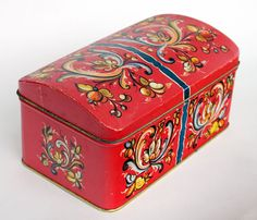 Rosemaled Tin Box Norway. I have Elsie's tin box like this in blue.
