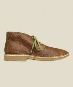 - Rich, pull-up oiled leather upper   - Oil-stuffed rawhide leather laces   - Unlined and deconstructed for a relaxed, classic chukka style  - Full-length leather -lined comfort footbed   - Sudede-lined heel counter to secure fit   -Hand-sewn 360° welt sitting using heavy waxed thread