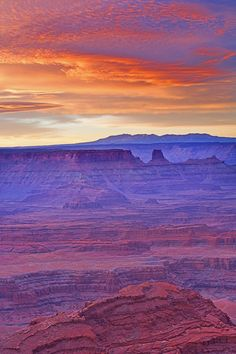 Dead Horse Point State Park, Moab, sunrise, desert landscape, Canyonlands National Park.