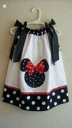 Another Minnie Mouse pillowcase dress Sewing For Kids, Baby Sewing, Little Girl Dresses, Little Girls, Sewing Clothes, Doll Clothes, Dress Sewing, Robes Disney, Disney Dresses