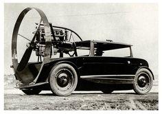 propeller car  ===>  https://de.pinterest.com/3signo/unusual-transport/  ===>  https://de.pinterest.com/pin/131308145363329398/
