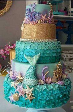 How to Make a Mermaid Birthday Cake Baby Shower Ideas for Girls Mermaid Birthday Cakes, Mermaid Cakes, Rainbow Petal Cake, Fete Emma, Birthday Party Snacks, Sea Cakes, Mermaid Baby Showers, Little Mermaid Parties, Cake Blog