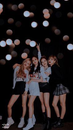 Black Pink Songs, Black Pink Kpop, Blackpink Photos, Girl Photos, Kpop Girl Groups, Kpop Girls, Lisa Park, Blackpink Poster, Lisa Blackpink Wallpaper