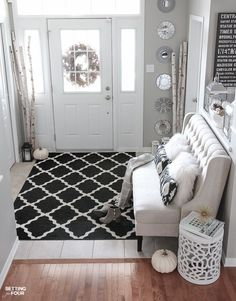 DIY Home Decor Ideas: See these elegant fall entryway design ideas that you can add to your home! Decorating tips and source list included so you can copy this look!